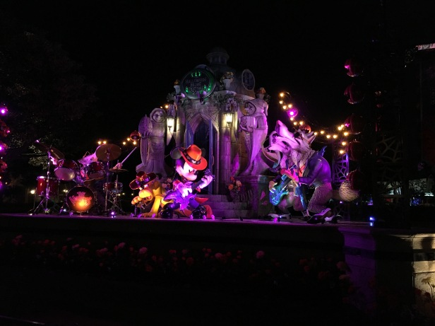 Tokyo Disneyland Blog Post